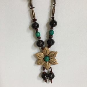 Vintage natural seed bead flower necklace